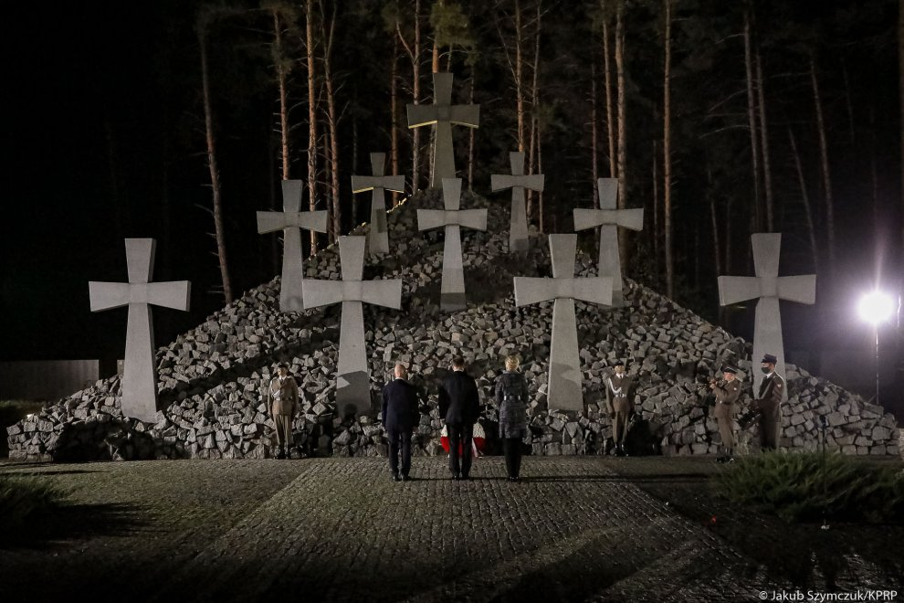 President highlights importance of truth about Katyn Massacre for Poland
